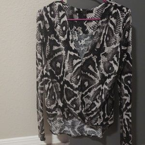 Guess Long Sleeve Top
